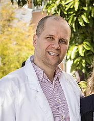 Suomalainen hammaslääkäri ja lääkäri Pekka Sinervo