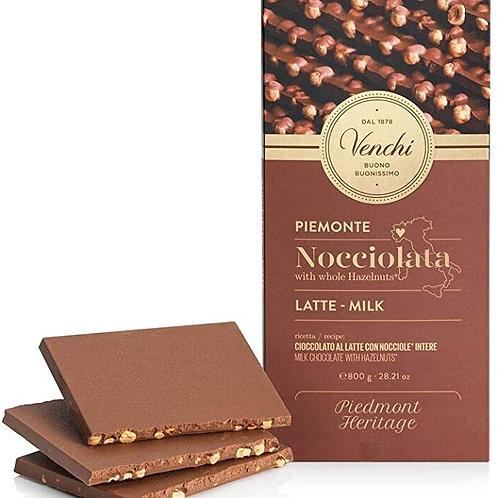 Mælkechokolade plade med hasselnødder