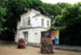 Cirkelen_rond_de_academie_2.JPG