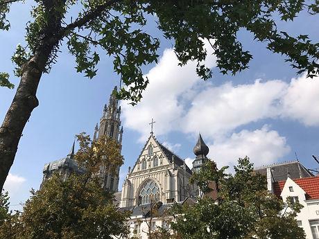 Rondom de kathedraal