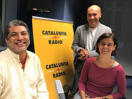 Catalunya Radio wants to know how can people incorporate Laughter while they practice Yoga, Hahahaha