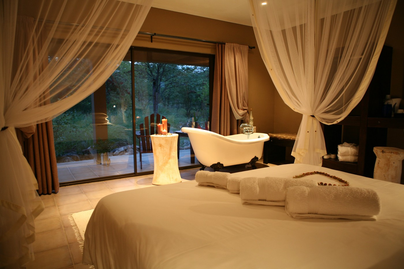 toshari-lodge-accommodation-room-8-etosha-namibia