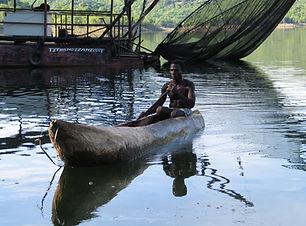 log-boat-242570.jpg