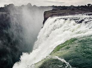 waterfall-2227010_1920.jpg