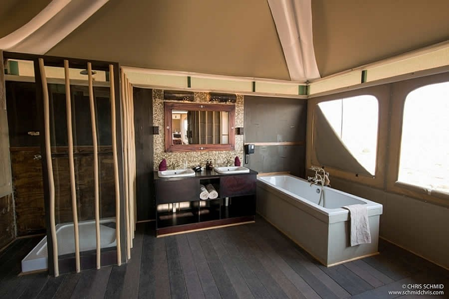 bathroom_at_moon_mountain_lodge_namibia_accommodation