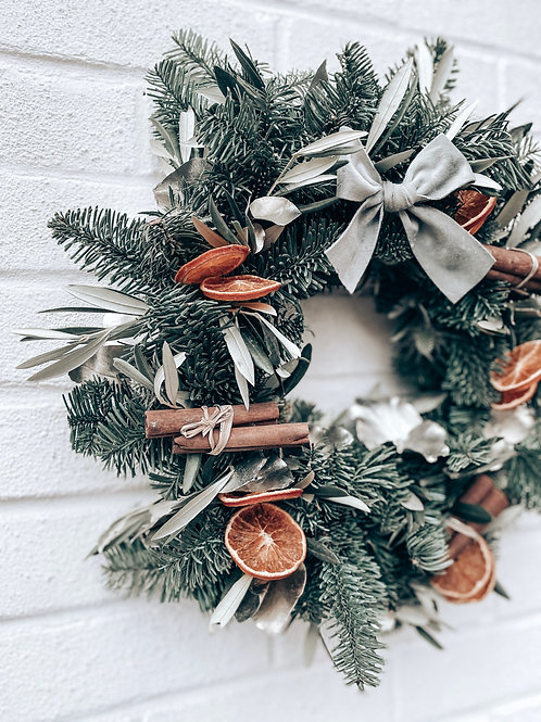 A Touch of Silver - Wreath Kit