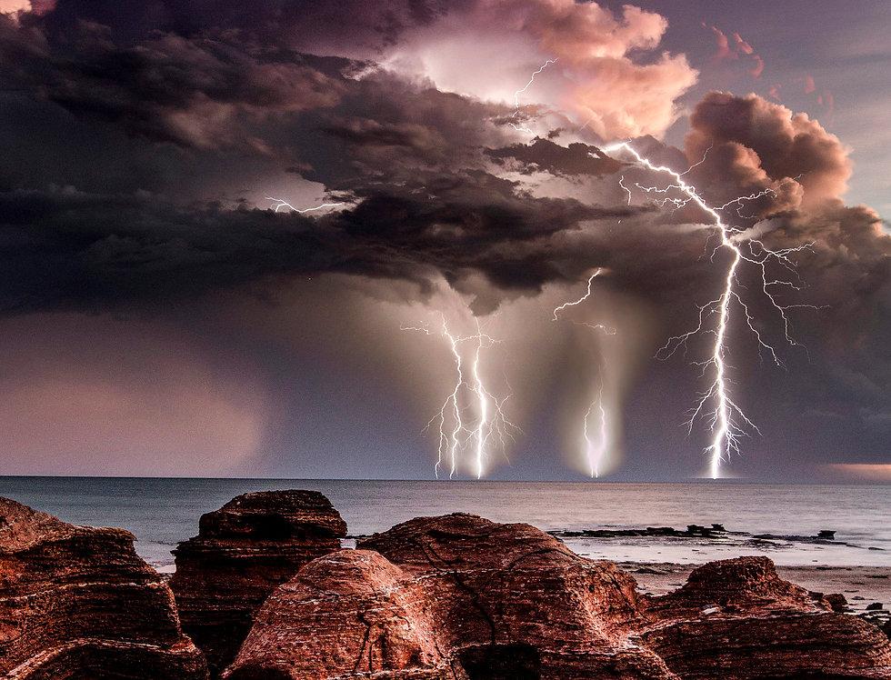 Lightning off Broome