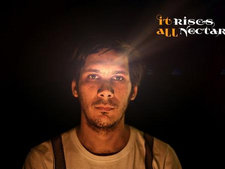 """It Rises All Nectar publica """"Seven Seas"""" en colaboración con Ivana Mer"""