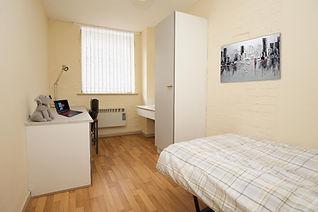 bedroom in parr court liverpool