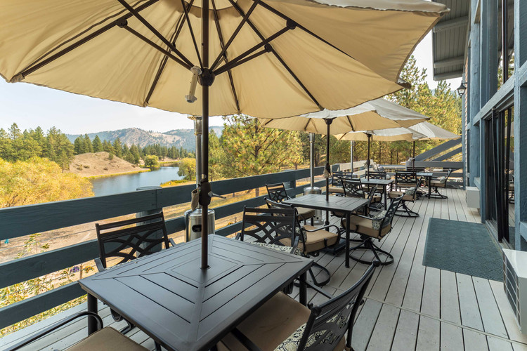 The Terrace Overlooking Private Daddy Lake