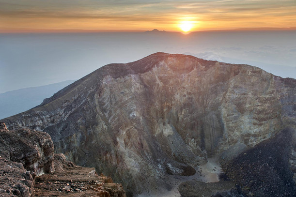 Agung's Crater 2013
