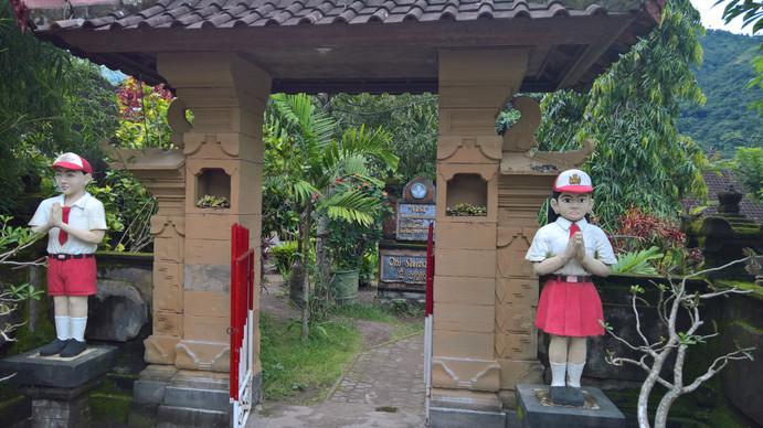 Schule in Bangle