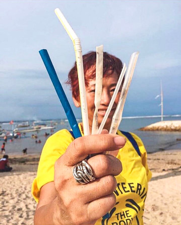 Please don't SUCK - 5 Reasons Why You Should Give Up Plastic Straws