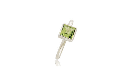 Sterling Silver Peridot Square Ring