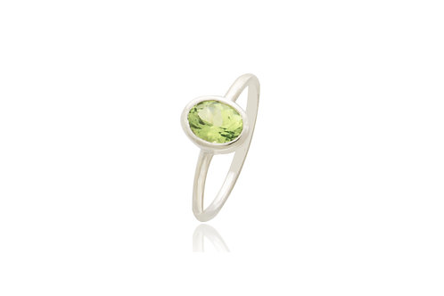 Sterling Silver Peridot Oval Ring