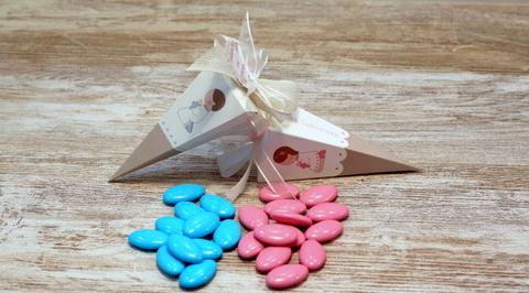 Pirámide de comunión con peladillas