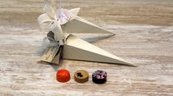 Pirámide con 3 Bombones
