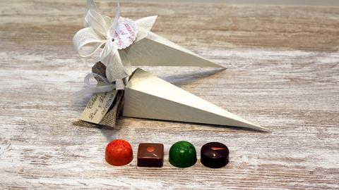 Pirámide con 4 Bombones