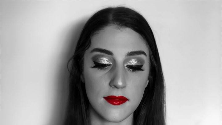 Some more fun with my beautiful model @maryrachel13 she is an amazingly talented director, producer, and actress! I value our friendship so much, where she just lets me paint her face 😀 here we have just a glammed up look! She looks absolutely fabulo