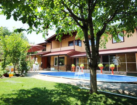 networking villa pool.jpg