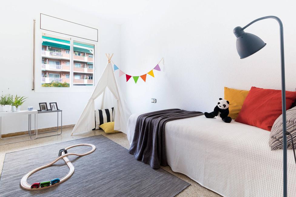 Habitación infantil decorada con muebles y accesorios de Ikea