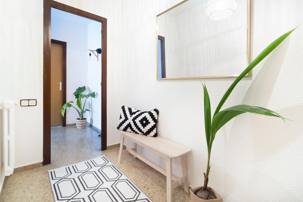 Detalle original para pasillo para vender más rápido con pocos muebles