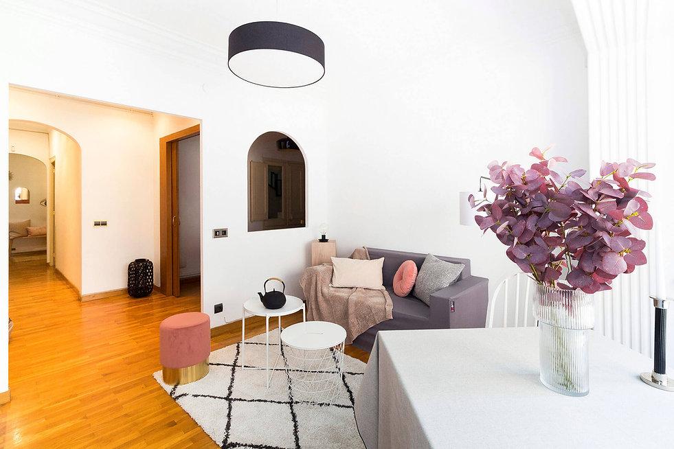 Sala d'estar d'alt standing a Barcelona decorat per Sebastien Robert