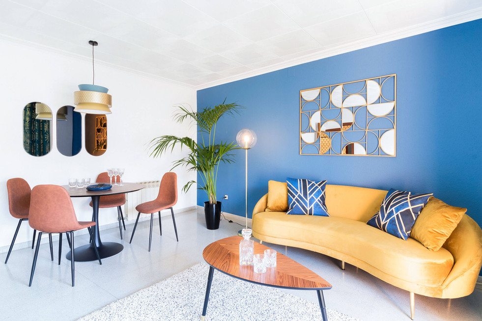 Staging of the dining room for the quick sale of an apartment in Viladecans