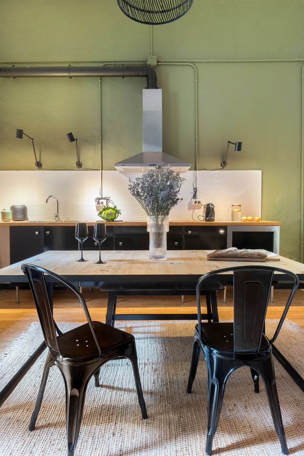 Professional dining room photos help attract more visitors