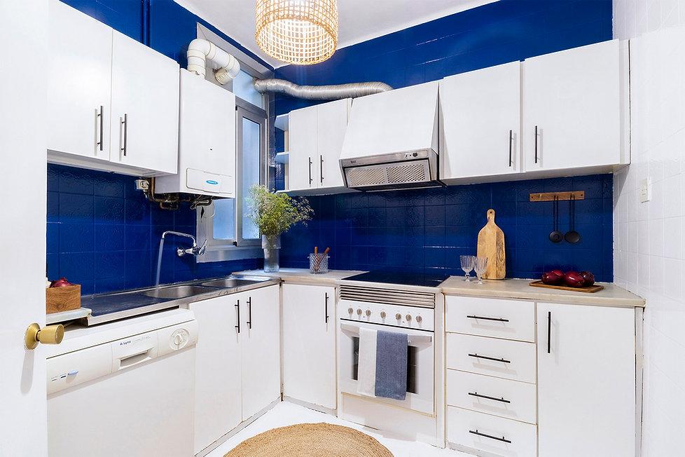 despues-home-staging-cocina-azul.jpg
