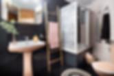Diseño de Sébastien Robert en negro y rosa palo para el baño
