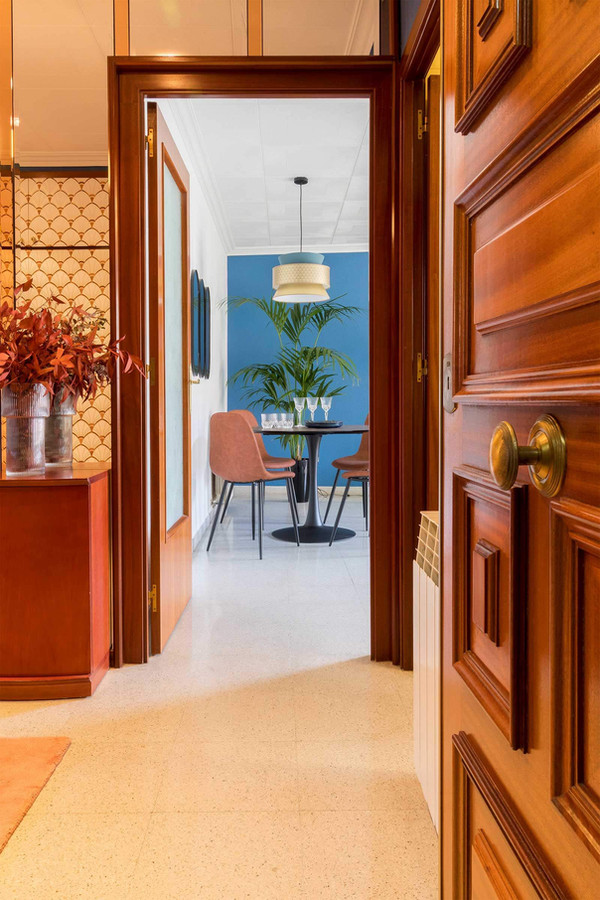 Hall of exclusive penthouse for sale in Viladecans