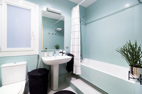 Paint the bathroom in pastel colors to renew the space