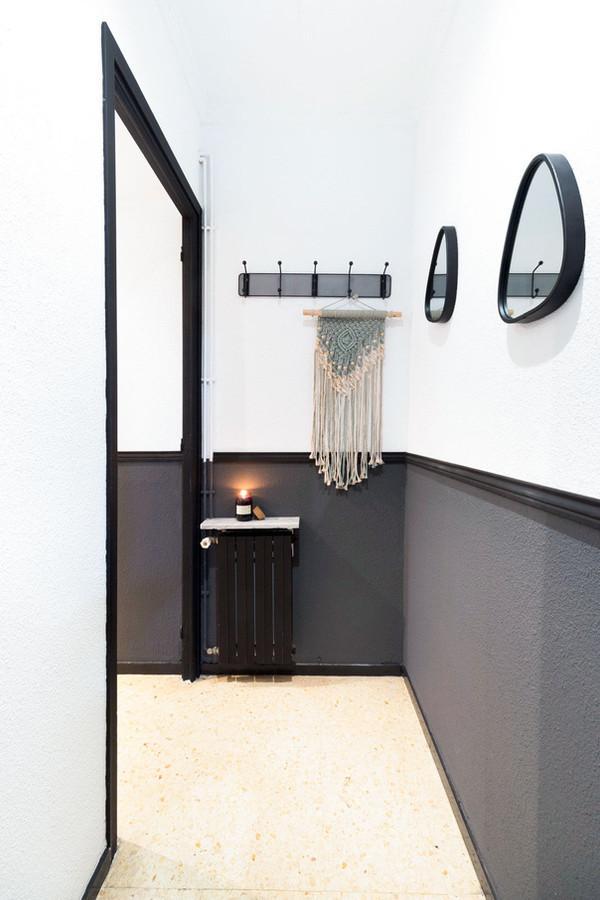 Original decoration for Sebastien Robert agency corridor