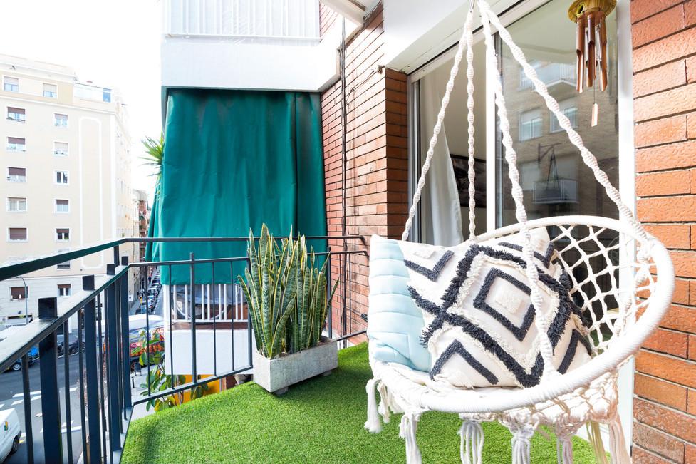 Comprar un piso con balcon en el barrio de Gracia