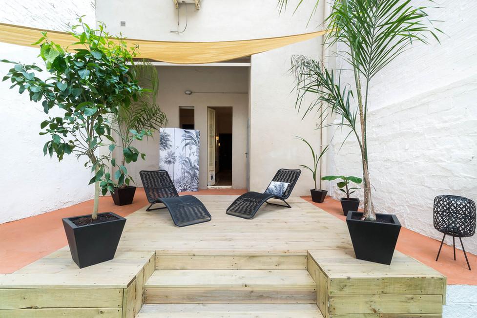 Tarima exterior de madera para piso en venta en Barcelona