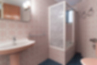 Cambiar un baño anticuado en el Clot por muy poco dinero