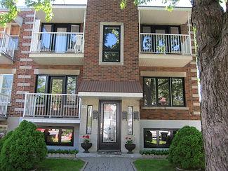Triplex à Rosemont avec des portes et fenêtres hybride Fenplast
