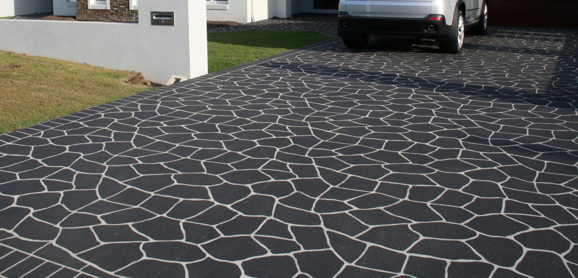 We are the best builder in the market any Driveway,Patio,Rendering, Painting Outside, Resin, Stamp Concrete etc.