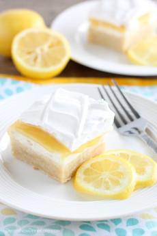 Lemon curd on shortbread with fresh cream or Greek yogurt