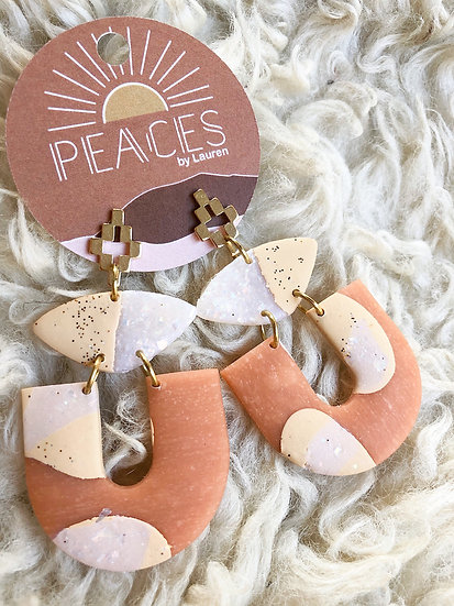 Peach dreams earrings