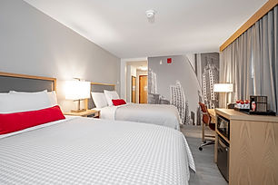 Elite Windy City 2 King hotel room