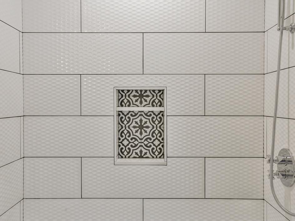 shower, tile, inset shelf, black-white
