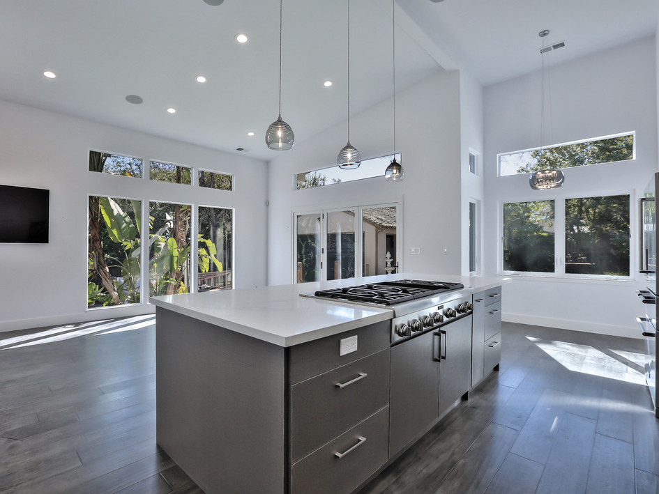 kitchen, great room, high ceilings, pendant lighting