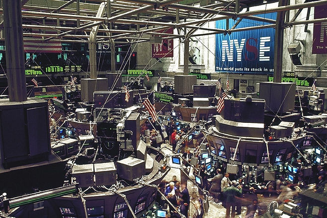 stock-exchange-738671_1280.jpg