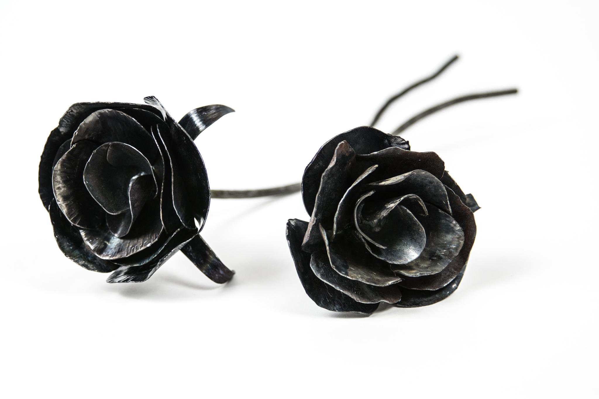 Mini Metal Roses