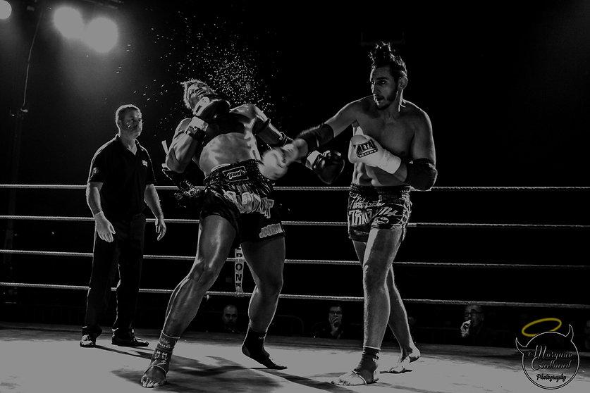 Combat boxe thaïlandaise