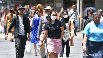 people-wearing-mask-at-orchard-road-sing