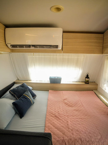 מיטה זוגית בקרוואן