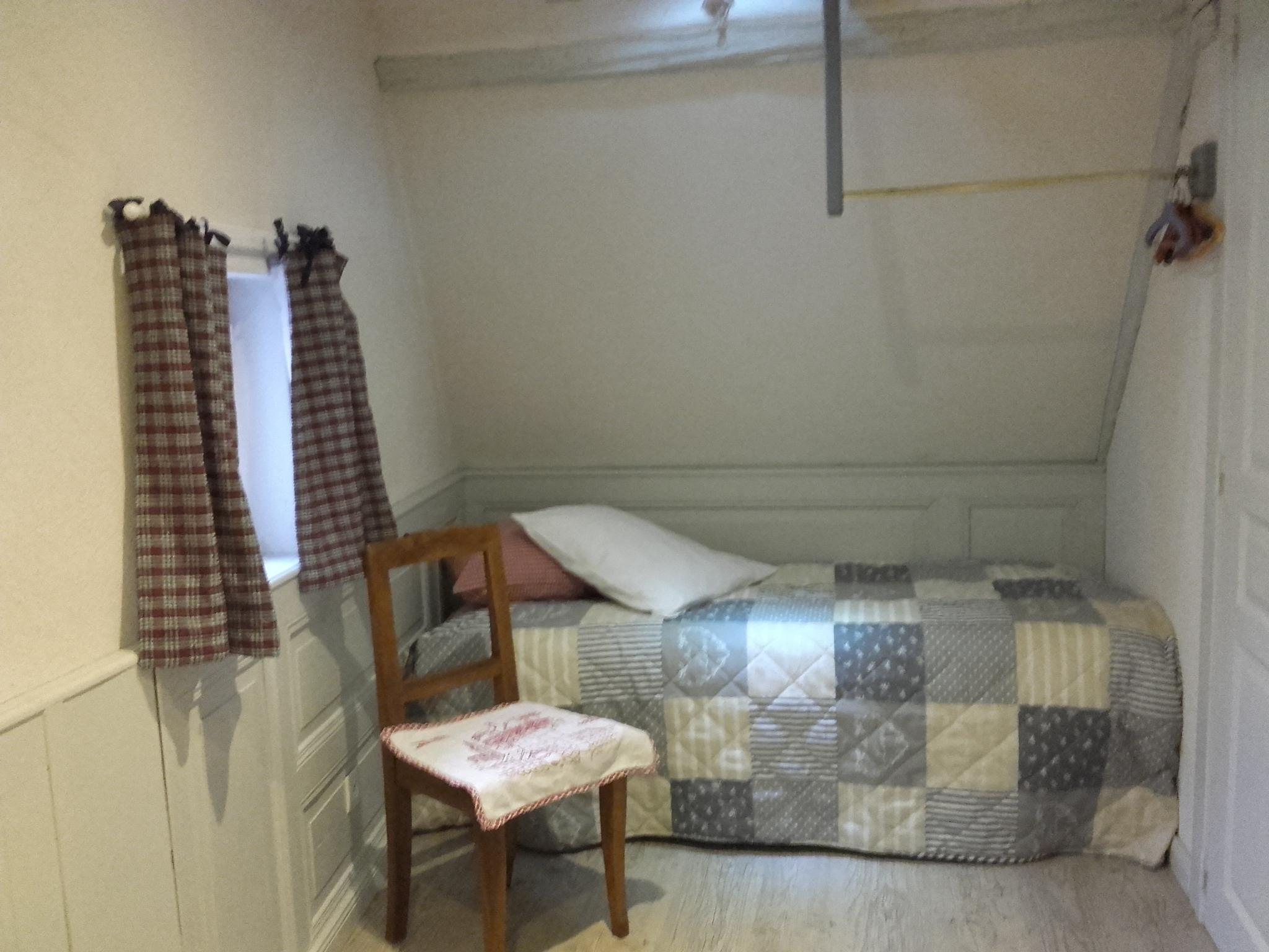 chambre 2 (2lits) (4).jpg